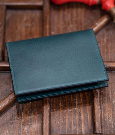 THE PASSPORT HOLDER - Il Bussetto Firenze